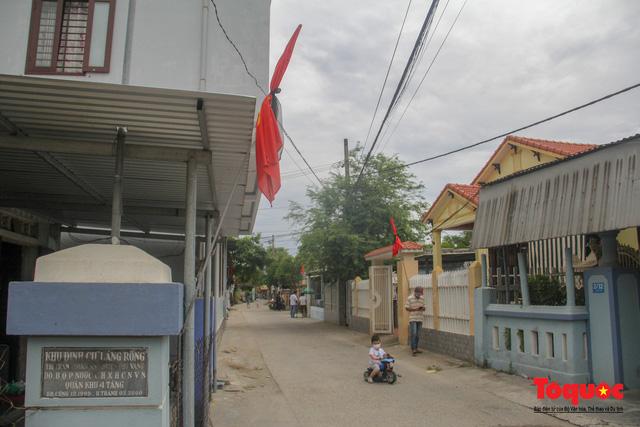 Lãnh đạo, nhân dân Thừa Thiên Huế viếng nguyên Tổng Bí thư Lê Khả Phiêu tại làng Rồng - Ảnh 2.