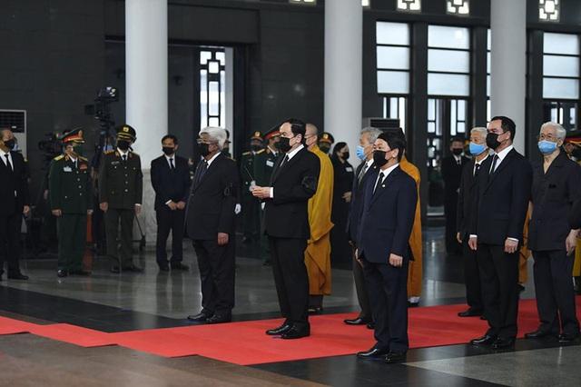 [Trực tiếp] Tổ chức trọng thể lễ viếng nguyên Tổng Bí thư Lê Khả Phiêu  - Ảnh 10.