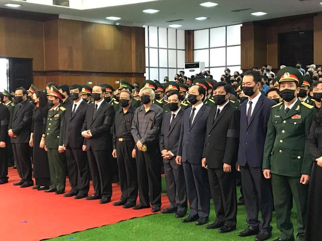 [Trực tiếp] Tổ chức trọng thể lễ viếng nguyên Tổng Bí thư Lê Khả Phiêu  - Ảnh 15.