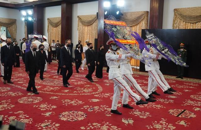 [Trực tiếp] Tổ chức trọng thể lễ viếng nguyên Tổng Bí thư Lê Khả Phiêu  - Ảnh 14.