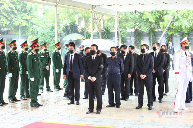 [Trực tiếp] Tổ chức trọng thể lễ viếng nguyên Tổng Bí thư Lê Khả Phiêu  - Ảnh 11.