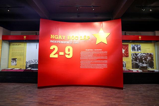"""Khai mạc chuyên đề """"Ngày Độc lập 2 - 9"""": Trưng bày những hiện vật gắn với lịch sử dân tộc - Ảnh 3."""