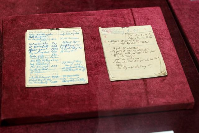 Lần đầu tiên công bố 2 cuốn sổ tay của Bác Hồ  - Ảnh 2.