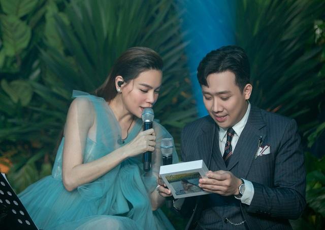 Trấn Thành tưởng album nhạc của Hà Hồ là bánh trung thu - Ảnh 8.