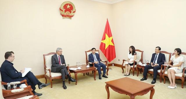 Bộ trưởng Nguyễn Ngọc Thiện tiếp Đại sứ Cộng hòa Pháp tại Việt Nam - Ảnh 1.