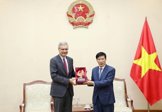 Bộ trưởng Nguyễn Ngọc Thiện tiếp Đại sứ Cộng hòa Pháp tại Việt Nam - Ảnh 2.