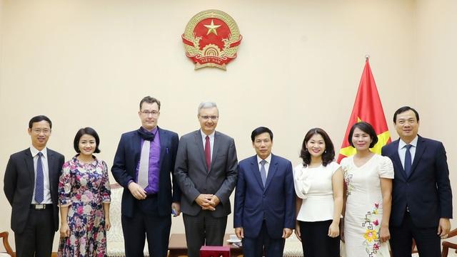 Bộ trưởng Nguyễn Ngọc Thiện tiếp Đại sứ Cộng hòa Pháp tại Việt Nam - Ảnh 3.