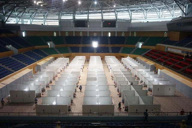 Chính thức bàn giao Bệnh viện dã chiến tại Cung thể thao Tiên Sơn  - Ảnh 1.
