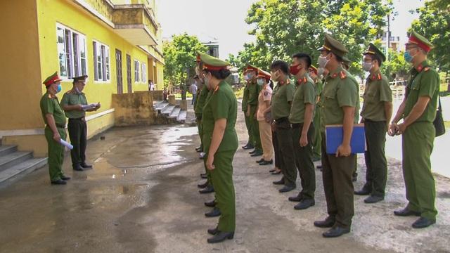 Huế: Triển khai lực lượng, đảm bảo an ninh tại các khu cách ly tập trung - Ảnh 3.
