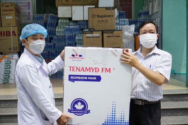 5 bệnh viện ở Đà Nẵng tiếp nhận 10.000 khẩu trang N95 chống dịch Covid-19 - Ảnh 2.