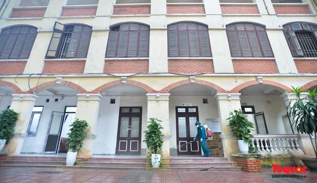 Phun khử khuẩn các điểm thi, Hà Nội chuẩn bị sẵn sàng cho kỳ thi tốt nghiệp THPT 2020 - Ảnh 12.