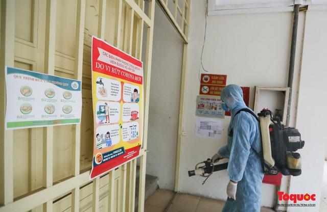 Phun khử khuẩn các điểm thi, Hà Nội chuẩn bị sẵn sàng cho kỳ thi tốt nghiệp THPT 2020 - Ảnh 8.