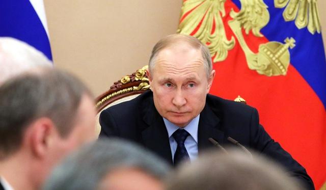 """Cáo buộc đầu độc Navalny đẩy Tổng thống Putin vào thế khó trong """"bài kiểm tra"""" nội bộ - Ảnh 1."""