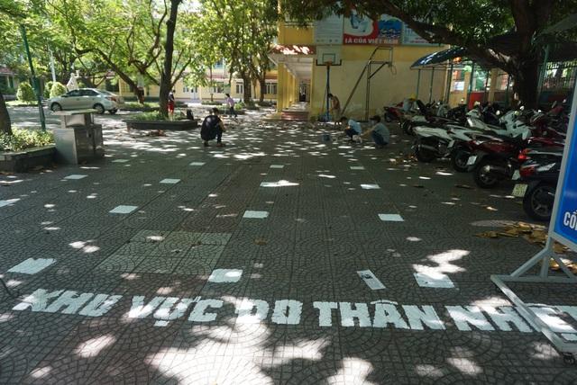 Thầy cô ở Đà Nẵng dọn dẹp trường lớp, chuẩn bị đón học sinh trở lại trường - Ảnh 15.