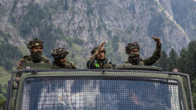"""""""Thiên thời địa lợi nhân hòa"""" đẩy Trung, Ấn tới nguy cơ xung đột quân sự cao hơn bao giờ hết - Ảnh 1."""