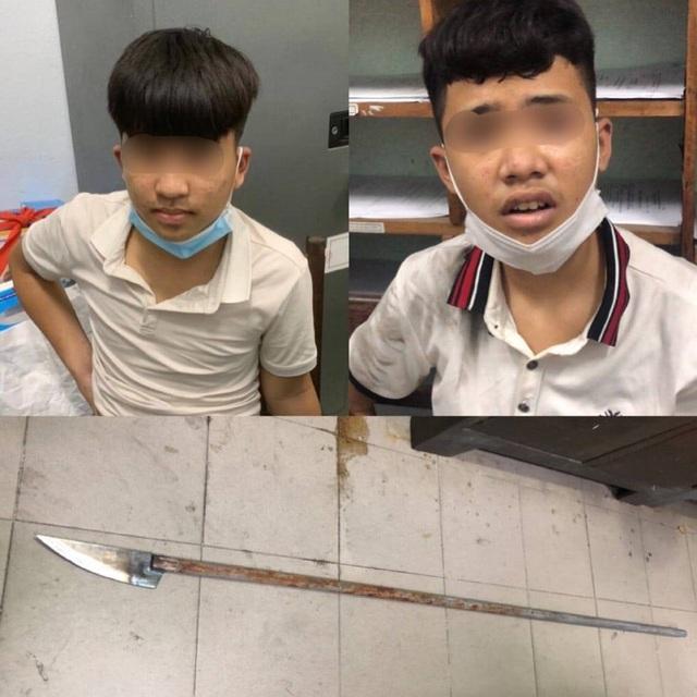 Nhóm thiếu niên vung dao chống trả lực lượng 911 Đà Nẵng  - Ảnh 1.