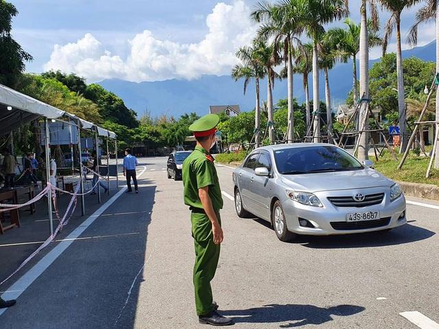 Hàng nghìn người từ Đà Nẵng đăng ký đến Huế sau khi địa phương này nới lỏng hạn chế - Ảnh 3.