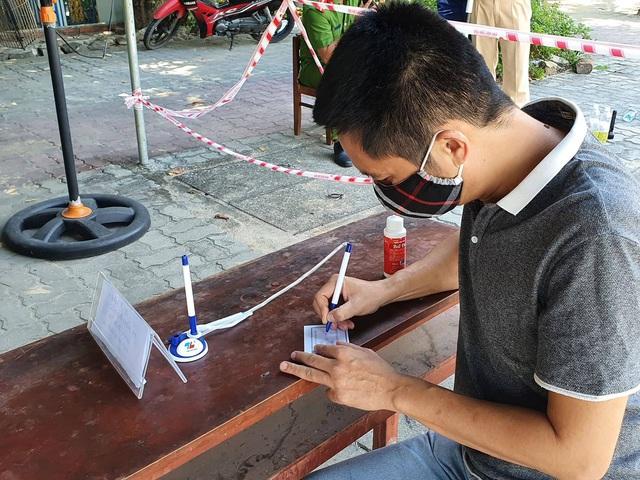 Hàng nghìn người từ Đà Nẵng đăng ký đến Huế sau khi địa phương này nới lỏng hạn chế - Ảnh 2.