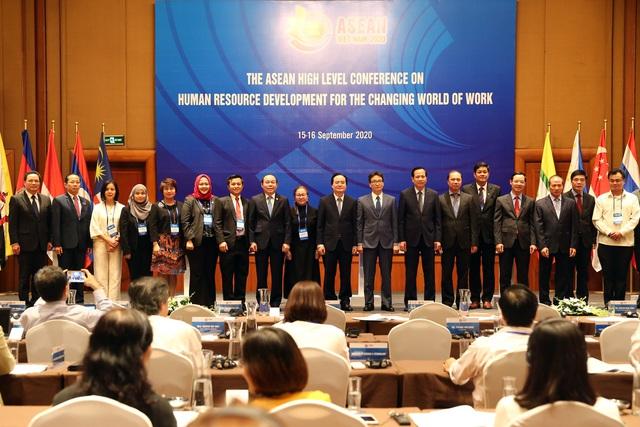 Xây dựng thống nhất bộ chuẩn kỹ năng nhân lực số trong khu vực ASEAN - Ảnh 1.