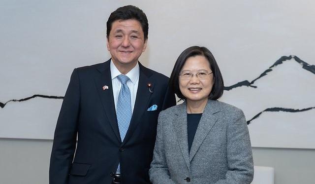 Trung Quốc phản ứng trước quan hệ thân cận của tân Bộ trưởng Quốc phòng Nhật Bản với Đài Bắc - Ảnh 2.