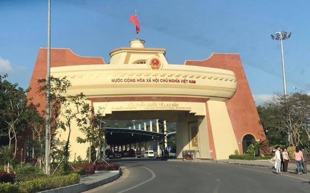 Quảng Trị hoãn tiếp nhận sinh viên Lào nhập cảnh qua cửa Cửa khẩu Quốc tế Lao Bảo do bão số 5 - Ảnh 1.