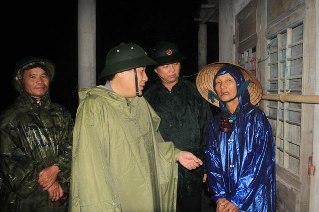 Sơ tán hơn 12.000 người dân tại Quảng Trị trong đêm để tránh bão - Ảnh 1.