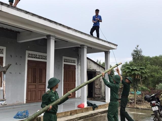 Sơ tán hơn 12.000 người dân tại Quảng Trị trong đêm để tránh bão - Ảnh 2.