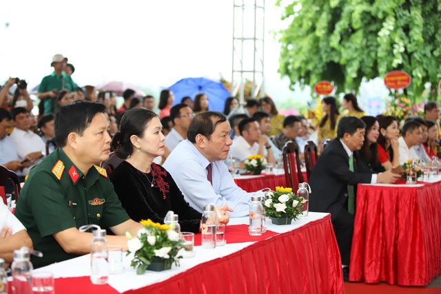 """Thứ trưởng Nguyễn Văn Hùng: """"Giữ gìn bản sắc văn hóa của đồng bào dân tộc là nhiệm vụ chính trị có ý nghĩa quan trọng"""" - Ảnh 1."""