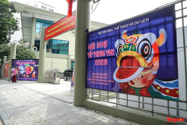 Nhiều điểm du lịch, vui chơi ở Hà Nội trang hoàng rực rỡ đón Tết Trung thu - Ảnh 7.