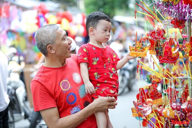 Nhiều điểm du lịch, vui chơi ở Hà Nội trang hoàng rực rỡ đón Tết Trung thu - Ảnh 9.