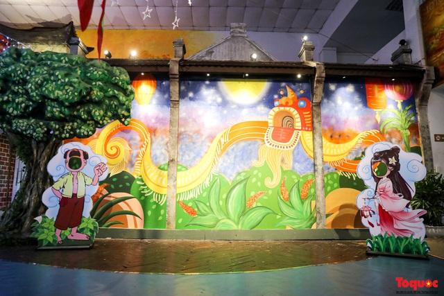 Nhiều điểm du lịch, vui chơi ở Hà Nội trang hoàng rực rỡ đón Tết Trung thu - Ảnh 3.