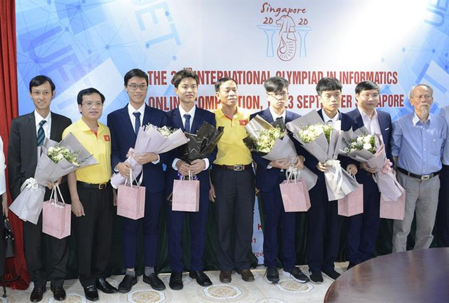 Nam sinh trường chuyên KHTN đoạt Huy chương Vàng, xếp hạng 11 thế giới tại Olympic Tin học quốc tế năm 2020 - Ảnh 1.
