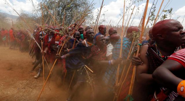 """Hàng nghìn nam giới Kenya tham dự buổi lễ 10 năm một lần để trở thành """"người cao tuổi"""" - Ảnh 3."""