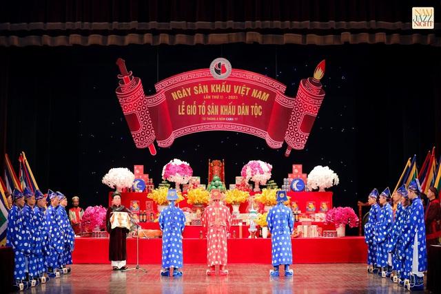 Nhiều thế hệ nghệ sĩ tham dự lễ Giỗ tổ nghề sân khấu dân tộc - Ảnh 1.