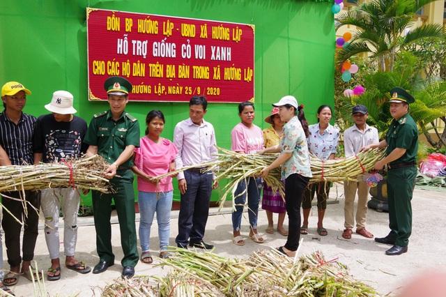 Mang Tết Trung thu đến với trẻ em vùng cao Quảng Trị - Ảnh 4.