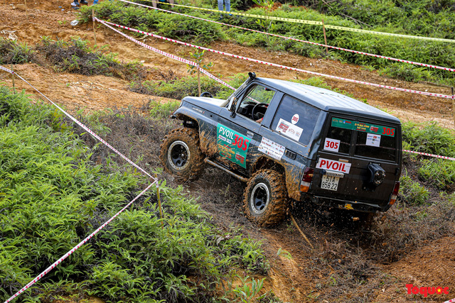 """Chiêm ngưỡng những màn """"phá xe"""" độc nhất chỉ có ở  Giải đua xe ô tô địa hình lớn nhất Việt Nam VOC 2020 - Ảnh 3."""