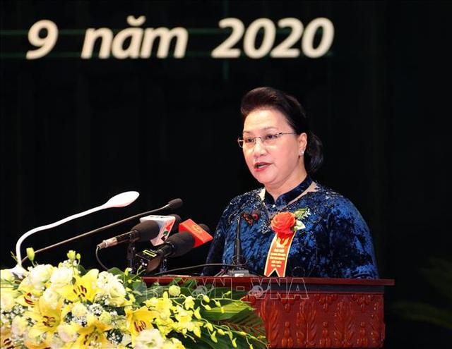 Chủ tịch Quốc hội: Mỗi cán bộ, đảng viên phải thực sự là hạt nhân trong các phong trào thi đua - Ảnh 1.