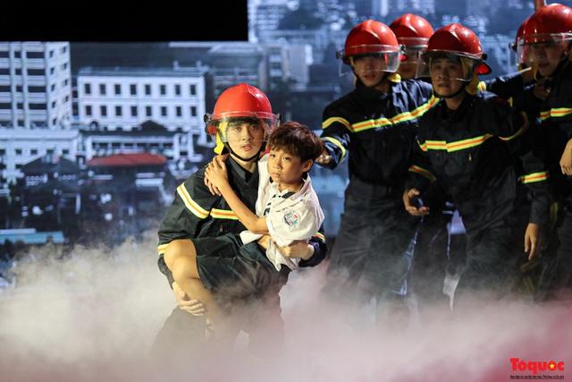 """""""Chúng tôi là lính cứu hỏa"""": Vinh danh cảnh sát phòng cháy, chữa cháy - Ảnh 5."""