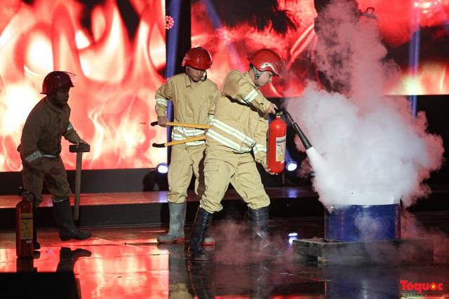 """""""Chúng tôi là lính cứu hỏa"""": Vinh danh cảnh sát phòng cháy, chữa cháy - Ảnh 18."""