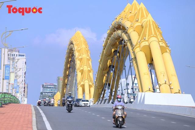 Hình ảnh Đà Nẵng ngày đầu nới lỏng cách ly xã hội - Ảnh 2.