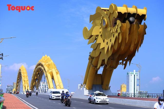 Hình ảnh Đà Nẵng ngày đầu nới lỏng cách ly xã hội - Ảnh 1.