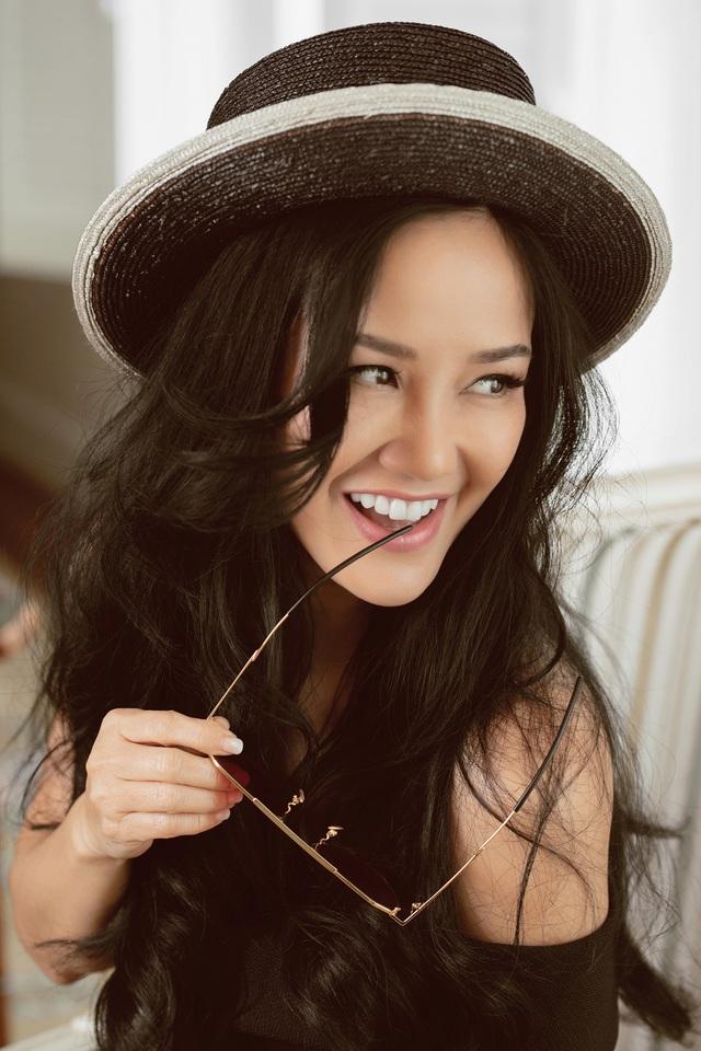 """Diva Hồng Nhung: """"Khó khăn xảy ra không làm tôi thay đổi về tình yêu"""" - Ảnh 1."""