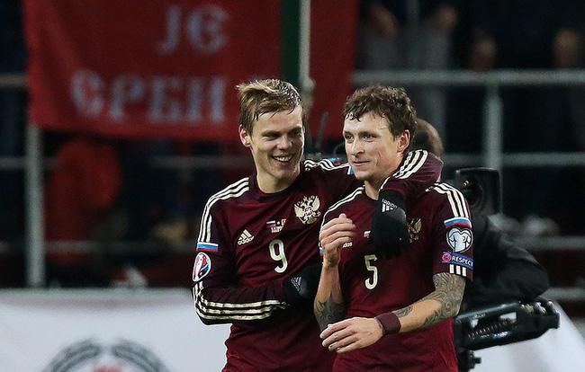 Hai cầu thủ bóng đá Nga bị bắt giữ vì hành hung quan chức chính phủ - Ảnh 1.