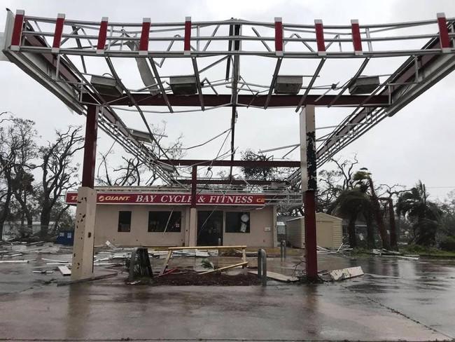 Hình ảnh siêu bão mạnh nhất trong lịch sử Mỹ tàn phá Florida - Ảnh 6.