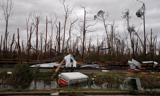 Sự tàn phá ở Panama, Florida - sau siêu bão Michael - Ảnh 2.