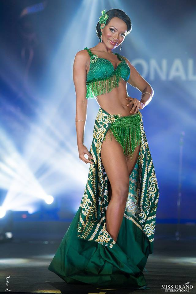 Ngắm những trang phục dân tộc ấn tượng của các hoa hậu thế giới tại Miss Grand International 2018 - Ảnh 17.