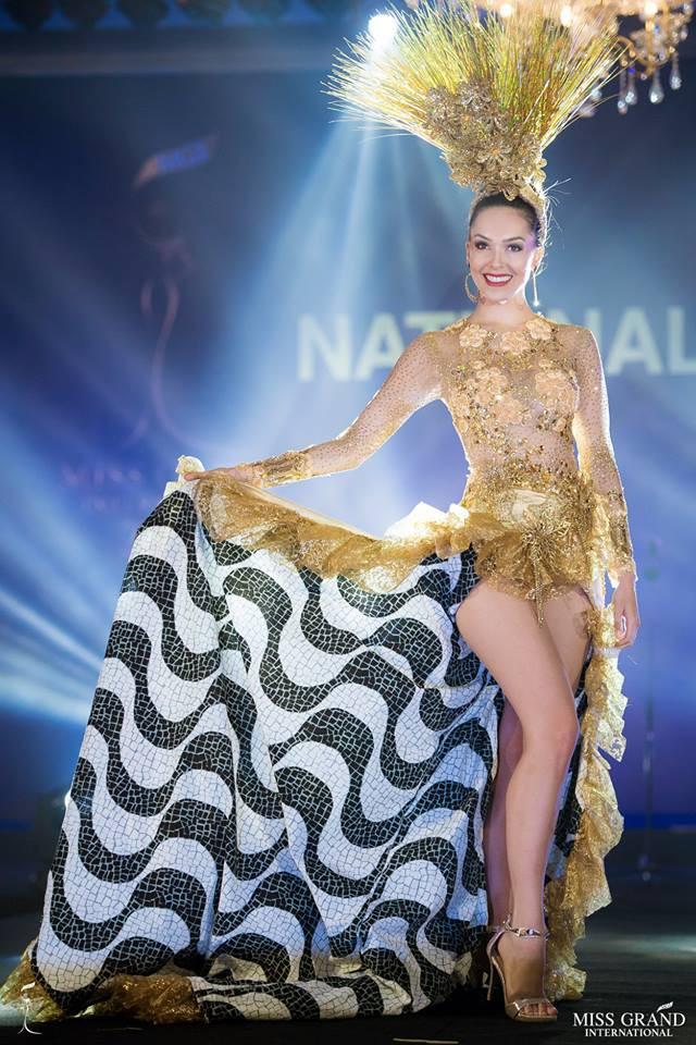 Ngắm những trang phục dân tộc ấn tượng của các hoa hậu thế giới tại Miss Grand International 2018 - Ảnh 16.
