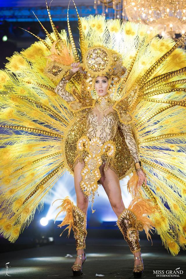 Ngắm những trang phục dân tộc ấn tượng của các hoa hậu thế giới tại Miss Grand International 2018 - Ảnh 13.