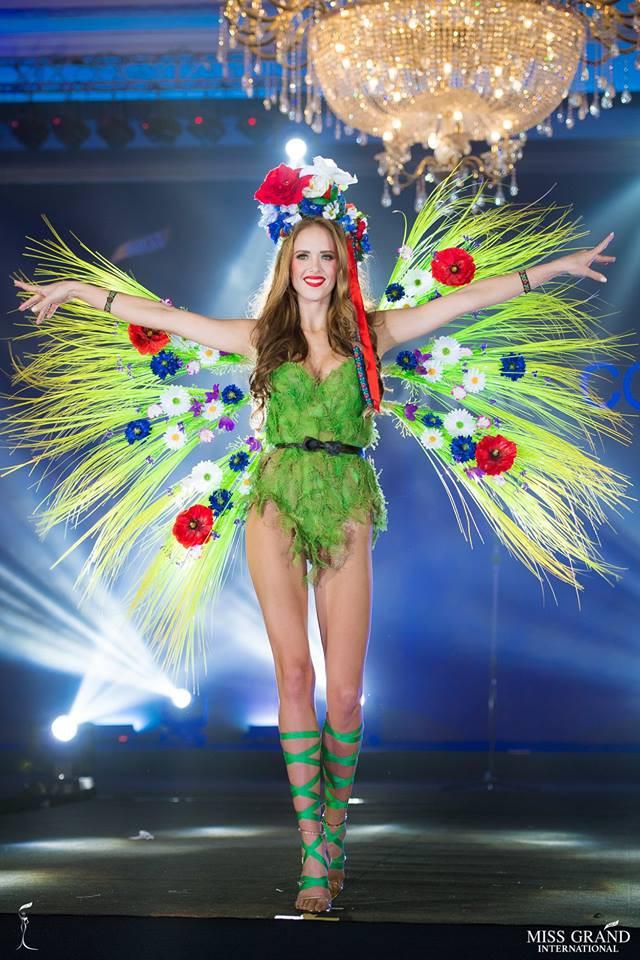 Ngắm những trang phục dân tộc ấn tượng của các hoa hậu thế giới tại Miss Grand International 2018 - Ảnh 12.