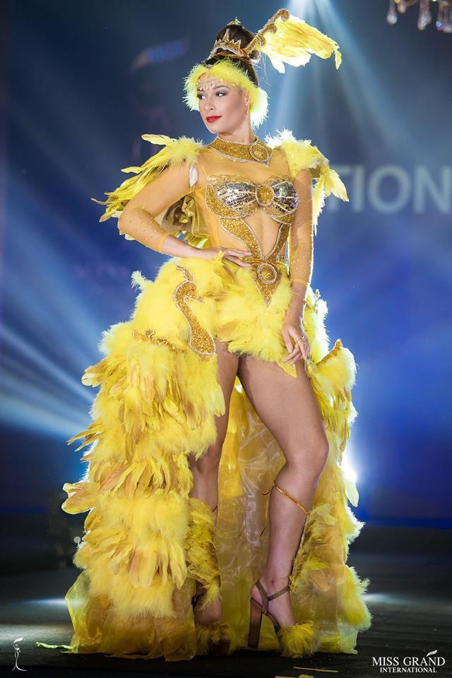 Ngắm những trang phục dân tộc ấn tượng của các hoa hậu thế giới tại Miss Grand International 2018 - Ảnh 11.